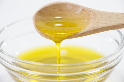 今こそ医師が教える3大健康油(亜麻仁油,オリーブオイル,ごま油)とは?