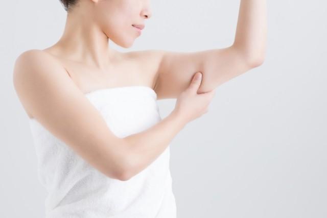 二の腕のブツブツ・ニキビの悩みを解消させるおススメ薬用ジェルクリーム